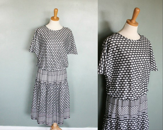 20 Dollar Sale Vintage 80s GEOMETRIC Day Dress - Black and White - Deadstock - Women XL Plus Size