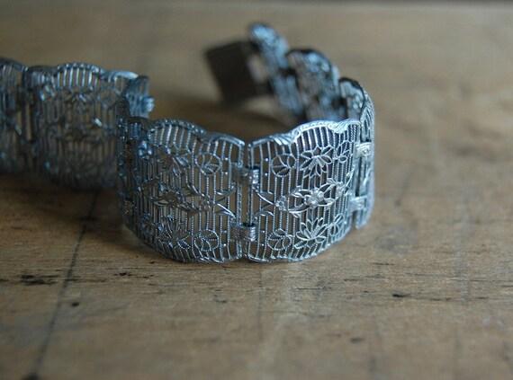 RESERVED /// Art Deco bracelet / filigree bracelet / 1930s bracelet / TOILE