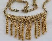 Sale Vintage Gold Tone Emmons Necklace    .....877