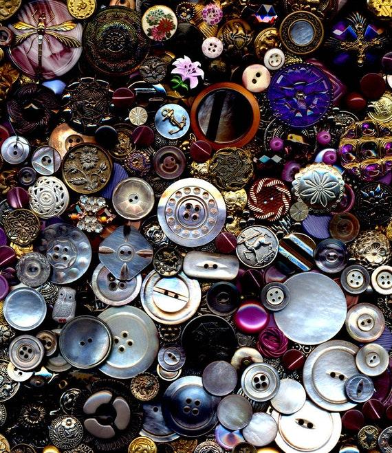 300 Plus Antique Vintage Modern Buttons Mixed Materials Glass Celluloid Metal Satsuma Calicos