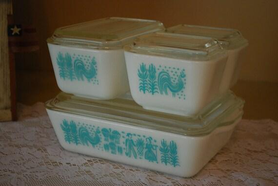 Four Dish Set of Pyrex Amish Butterprint Fridge Dishes