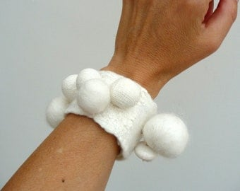 felted bracelet 'moon' SALE