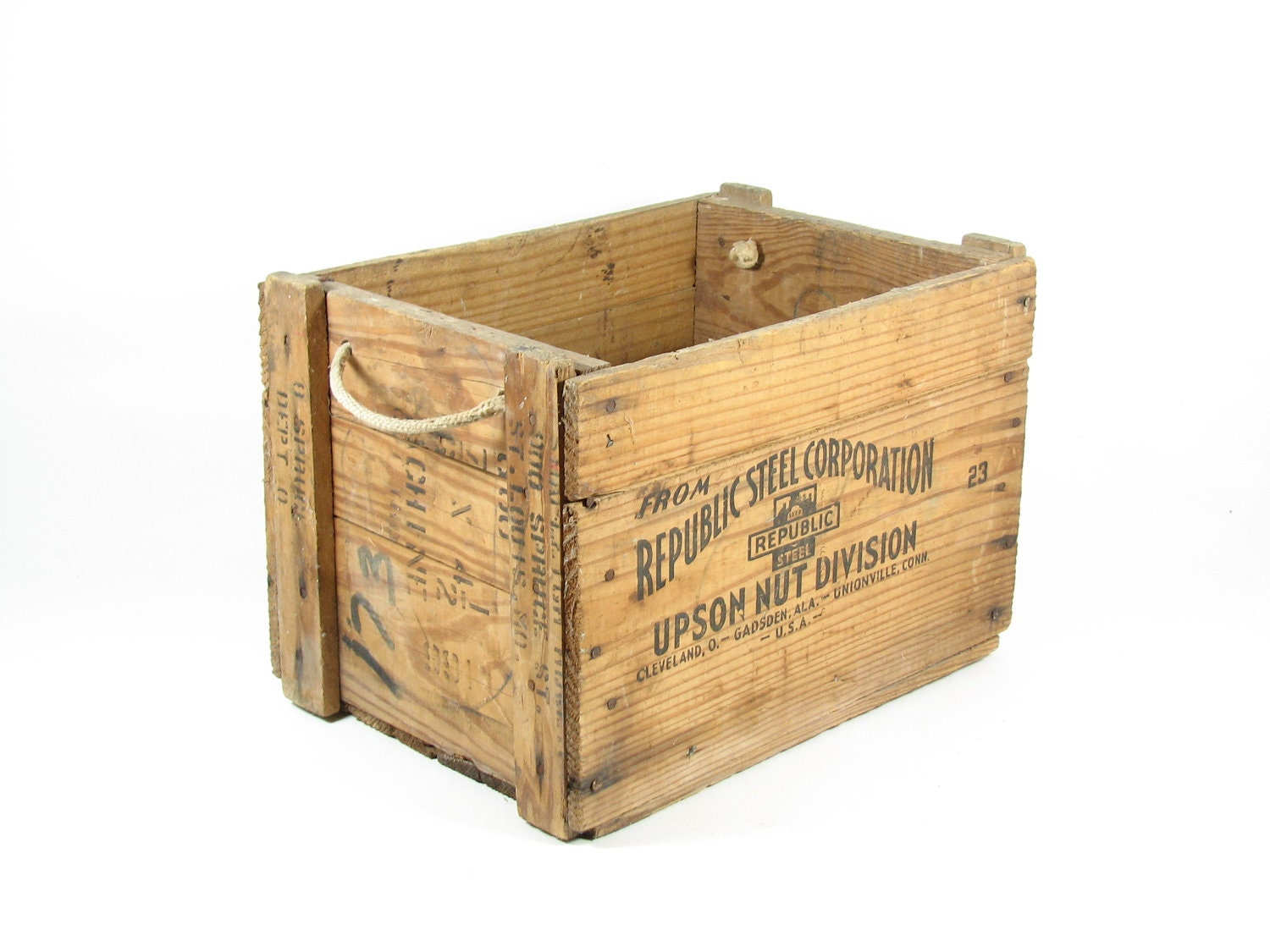 Vintage wooden crate wood box rope handles republic steel corp for What to do with old mailbox