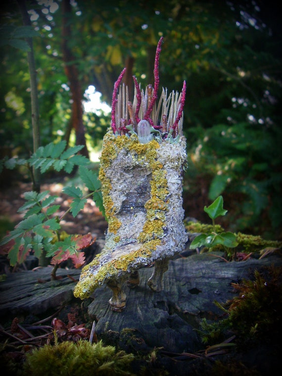Faery Queen - Handmade -  Woodland Fairies - Magick - Miniature - Throne / Chair -  would make a wonderful addition to your fairy house.
