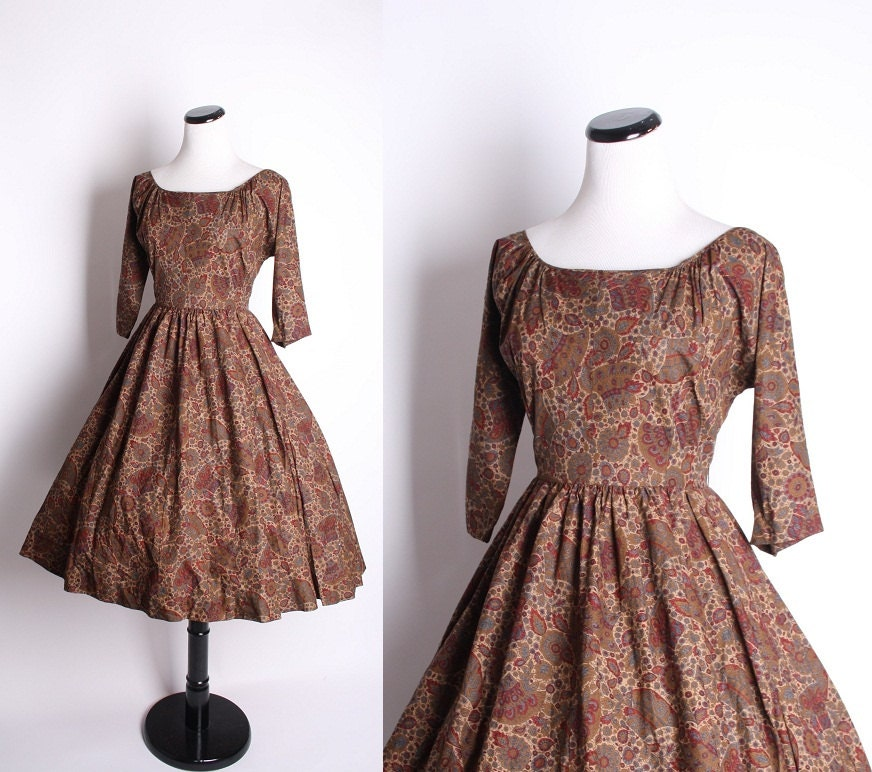 1950s vintage paisley brown rustic autumn fall fashion mad
