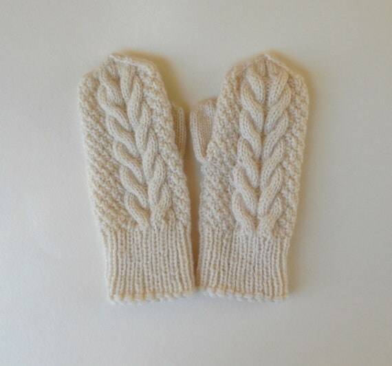 Ivory wool handknitted mittens, bridesmaid favor for winter wedding, cabled off white mittens, gift for her