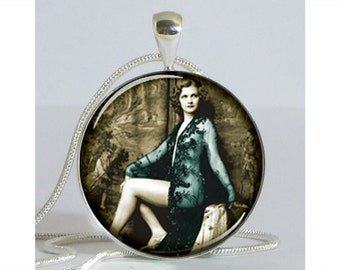 Beautiful Burlesque Stage Actress Necklace with Chain Art Pendant Resin Pendant Picture Pendant