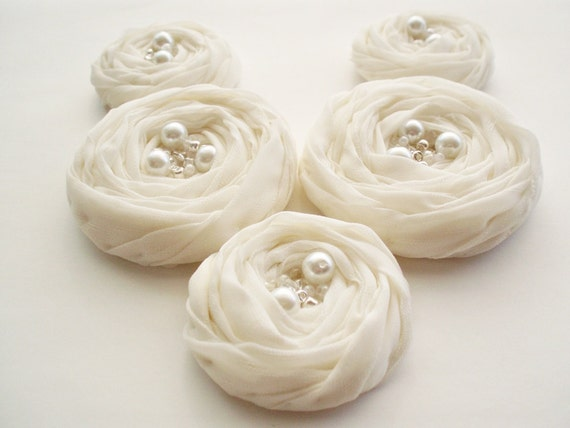 Ivory Fabric Roses Handmade Appliques Embellishment 5 pcs