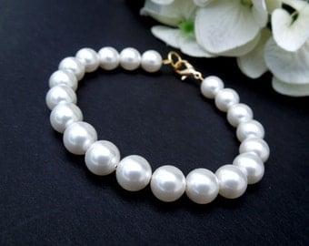 Bridal Pearl Bracelet, White Swarovski Pearls, Bridal Classic Bracelet, Gold Bridal Bracelet, Cuff, Wedding Pearl Bracelet,Pearl,MAKAYLA