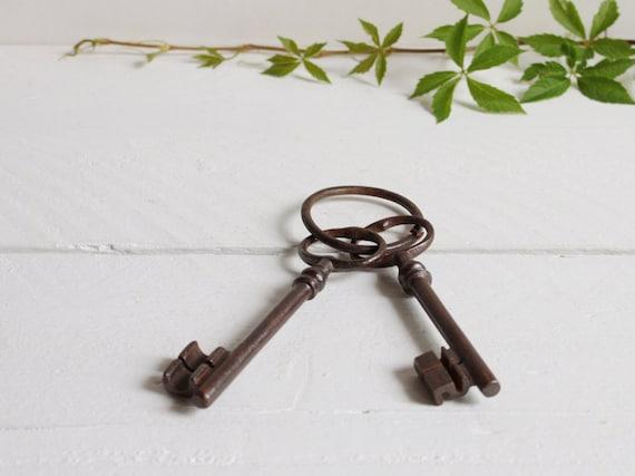 Vintage skeleton keys, Two French keys on a key ring