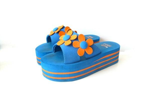 Vtg. Platform Sandals- Club Kid, 90s, 8, 9, Raver, Flip Flops