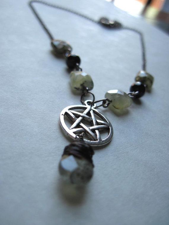 Seaside Stargazer. Pagan. Pentagram. Seaweed. Prehnite. Green. Elemental. Necklace.