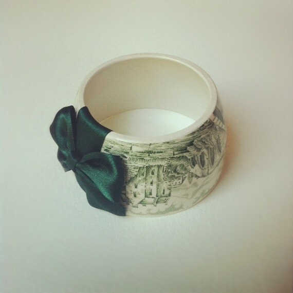 StayGoldMaryRose - Gorgeous green willow panoramic country village pattern teacup bracelet with deep emerald hand made satin bow.