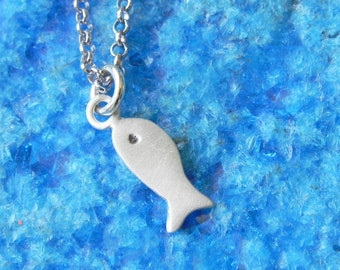Little fish necklace in sterling silver