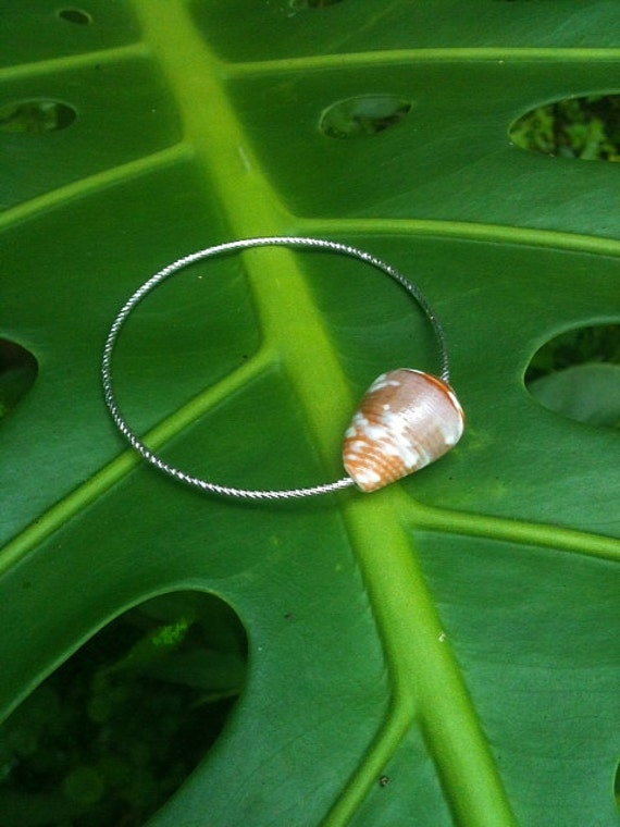 Amazing 14k white gold filled children size bangle bracelet with hawaiian cone shell