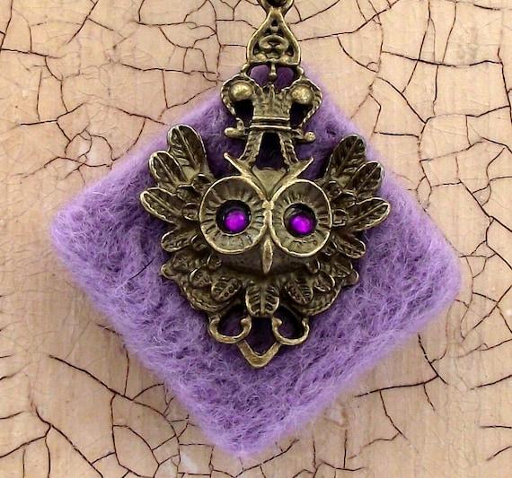 Lilac felt pendant necklace with bronze owl charm