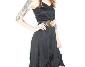 Vtg 80s BOHO Hippie GYPSY Black High Waist Party DRESS // Scallop Tier Hem Elastic Waist Full Skirt Swing // Hipster Casual Party Dress