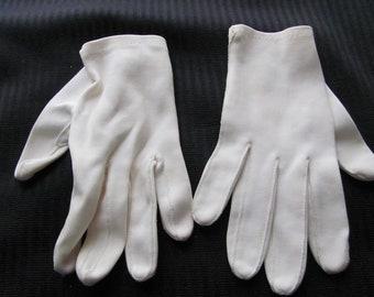 Vintage Ivory Nylon Ladies Stretch Wrist Gloves (F03)