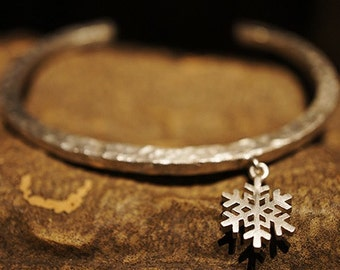 Mini Snowflake Bangle