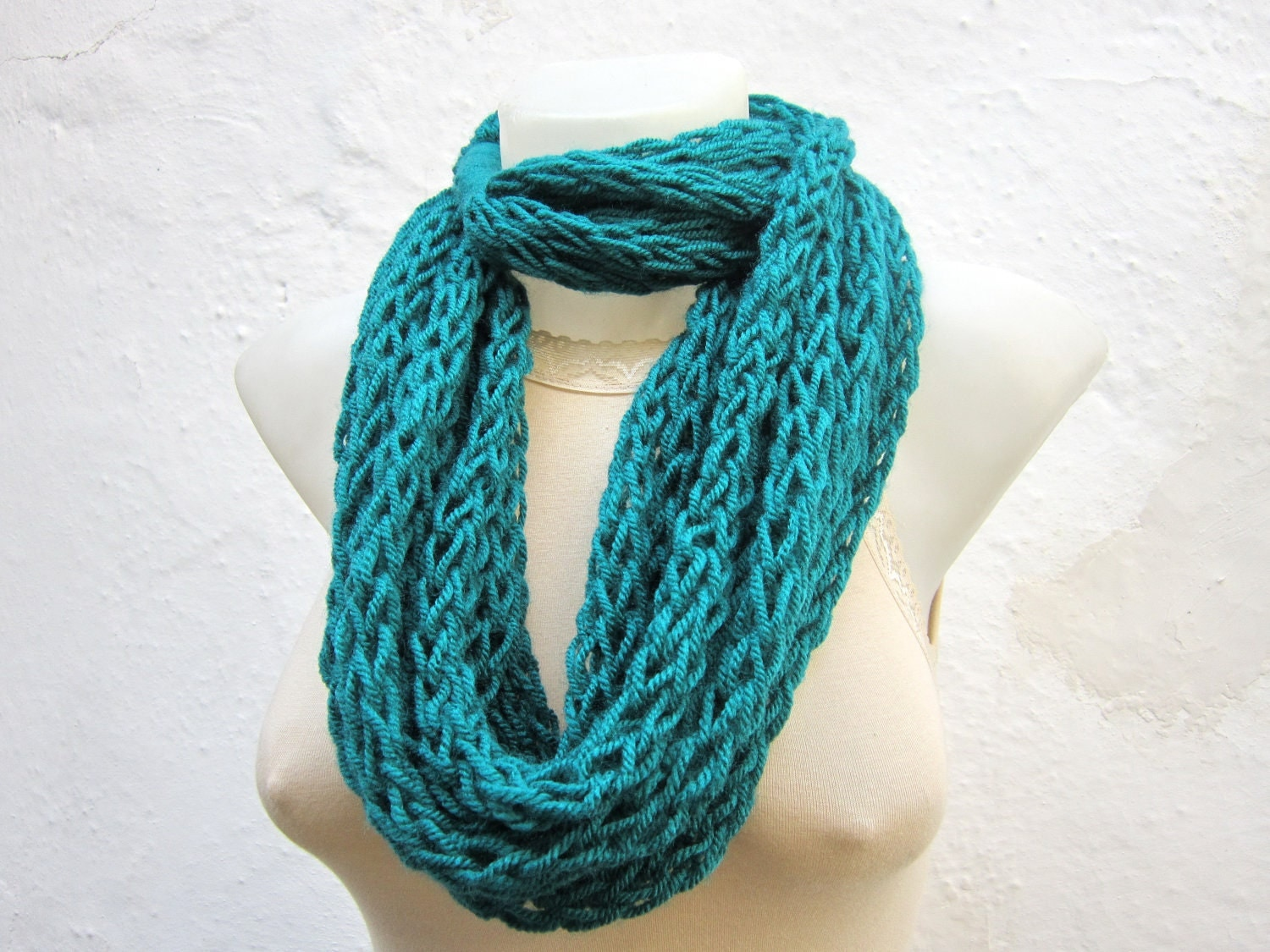 Finger Knitting Scarves : Infinity scarf finger knitting teal necklace by