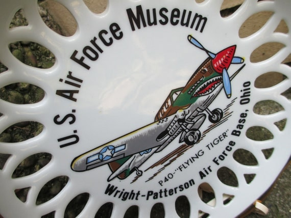 US AIR FORCE Museum Ohio Collectible Glass Plate - P40 Flying Tiger Plane