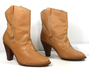 Vintage tan pixie low heel ankle mid calf western womans Leather boots 7.5 M B