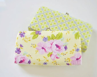Country Garden in Yellow -- Small flat clutch