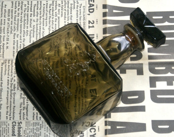Vintage Suntory Royal Whiskey Decanter Bottle Japan