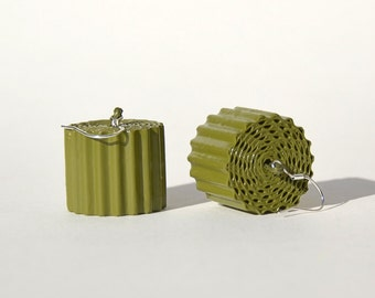 Khaki: Statement earrings RULLO - made of corrugated cardboard