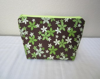 Cosmetic Bag in Green Flowers