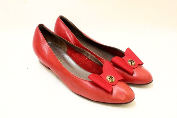 Vintage Bally Re Color Sfot  Leather  Bow Shoes // US 9.5  Made in Switzerland.