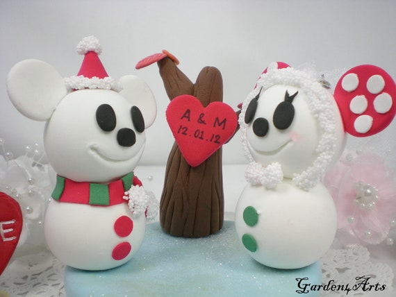Wedding Cake Topper-Custom Lovely Snowman Couple with Beautiful Clay Base-winter wedding-NEW