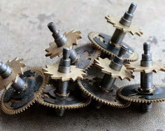 Vintage clock iron shaft with two brass gears -- set of 6 -- D15