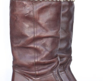 One of a Kind, Rocking tall Studded Frye boho leather campus riding boots 7 B Mint New soles and heels.