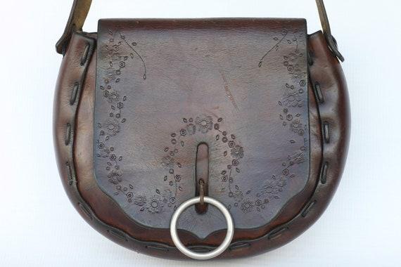 Nice 60's vintage hand tooled leather boho hippie shoulder bag purse with unique enclosure