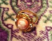 Gold Cameo Ring with Rhinestones Size 8-9