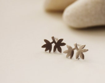 Autumn Leaf Post Earrings. Silver. Everyday Wear. Gift For Her (SER-41)