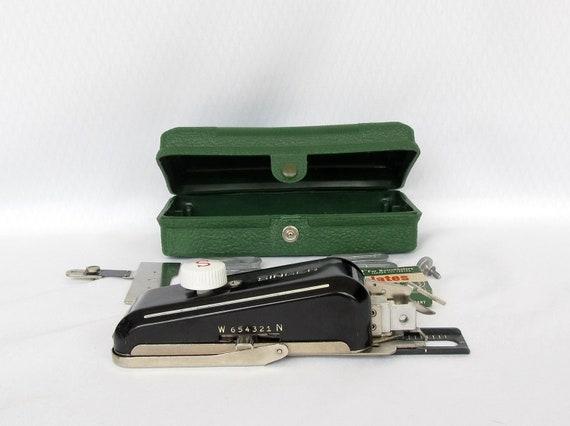 Vintage Singer Buttonholer Attachment 160506 Low Shank Button Hole Maker
