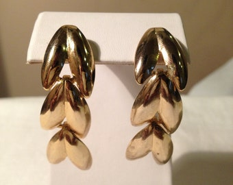 Vintage Dangle Gold Chevron Post Earring