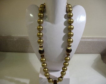 Vintage Large Gold Tone Beaded Necklace with Faceted Glass Accents