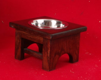 Elevated Dog Feeder Bowl 6 Inch 1 Quart Solid Oak, FREE STAIN