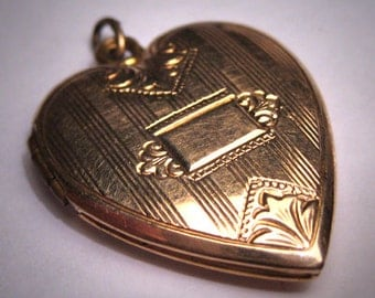 Antique Victorian Gold Locket Pendant Vintage Heart
