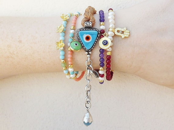 Delicate Flower Stacking / Friendship Bracelet with Pale Blue, green jade & Nacre Beads - 1 piece - Summer fashion