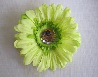 Green Daisy hair clip