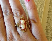Vintage 1970s Avon Gold Tones Lady Cameo Ring - Size 5 to 8 - Adjustable