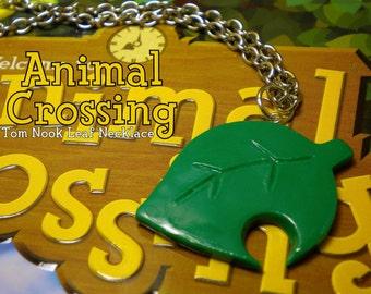Animal Crossing - Tom Nook Logo Leaf Necklace - Nintendo
