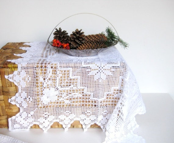 """Vintage, never used, still starched, 22"""" x22"""" crochet table doily"""