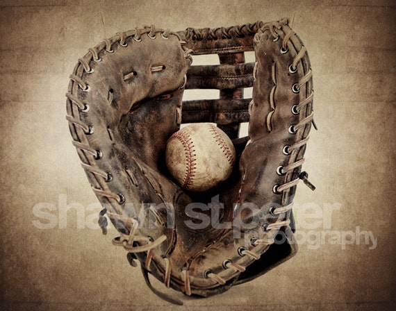 Vintage Baseball Wall Decor : Vintage baseball glove and ball photo print decorating ideas