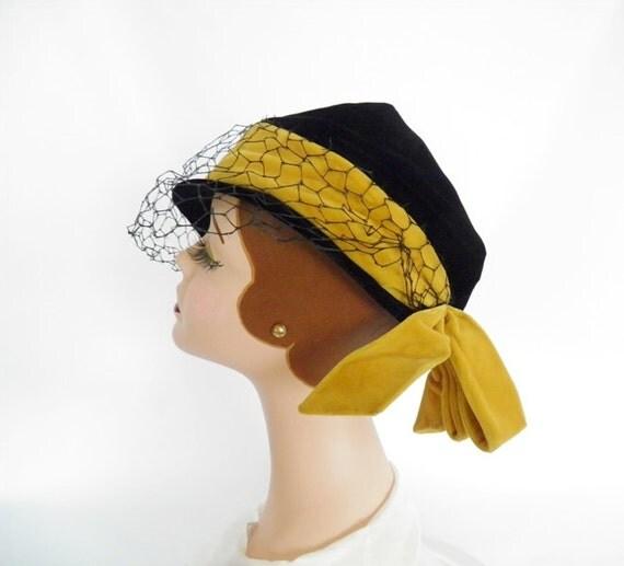 Reserved    1950s Dachette hat, tilt, black velvet