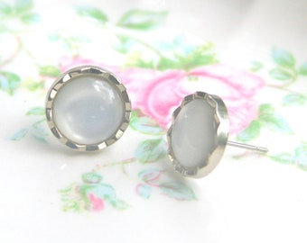 Vintage Pearl Silver Tone Scalloped Wedding -Bridal Post Earrings